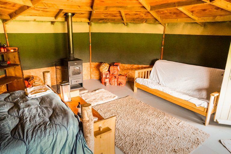 Yurt Glamping in Devon_interior yabin 4